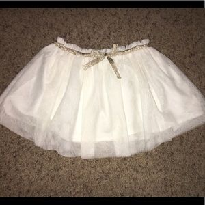 White tulle skirt with bow. Toddler 3T 4T
